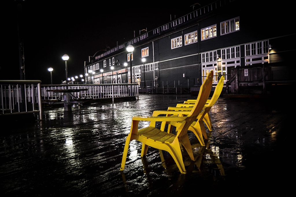 Sun loungers in the rain // Photo by Sarah Schenk