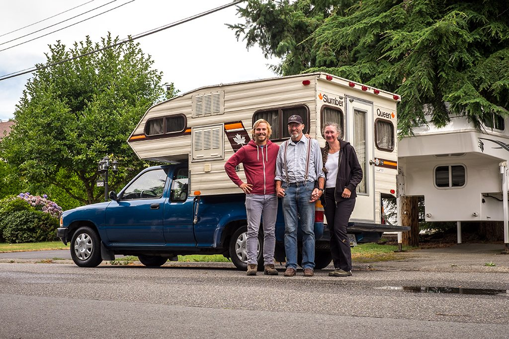 Last picture with the camper: Old and new generation of explorers in Delta with Herb and Liane (the previous owners)